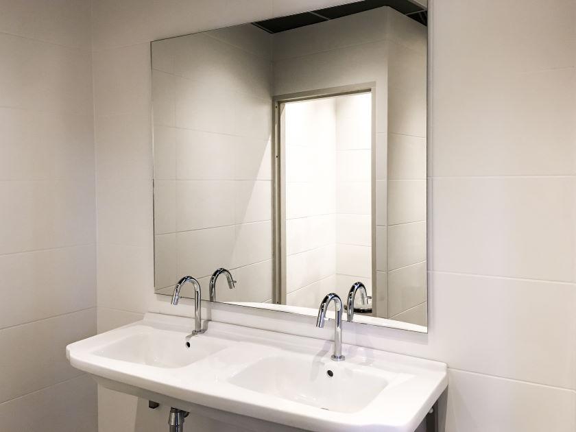 Badkamerspiegel op maat laten maken